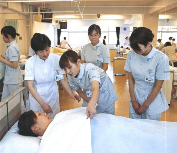Ngành Điều dưỡng đa khoa là gì? Ngành Điều dưỡng đa khoa làm gì?